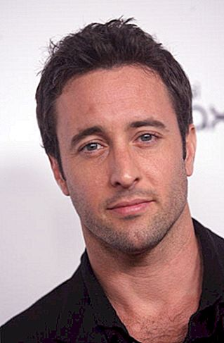 Lucro líquido de Alex O'Loughlin