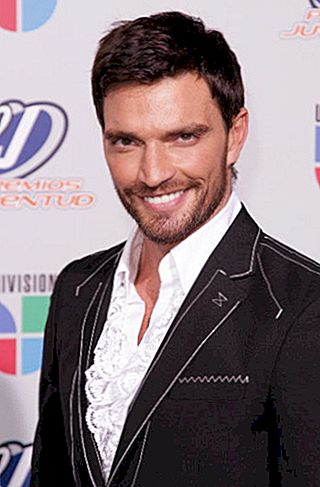 Julian Gil Net Worth