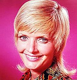 Florence Henderson All Boo-Hoo Om Missing Pooch