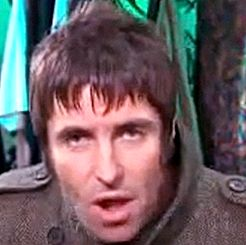 "Liam Gallagher revela antipatia pelo estilo de Mumford & Sons no incidente ""Pot, Kettle, Black"""