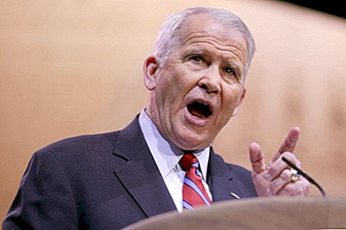 Oliver North Net Worth
