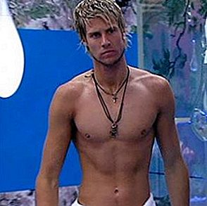 Josie und John James vom Bett im Big Brother House verbannt!